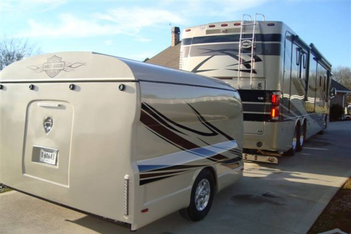 widebody trailer, trike trailer, 2 bike trailer, rv trailer